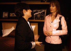 Sandra Berja, socia responsable del área financiera, junto a Meritxell obiols